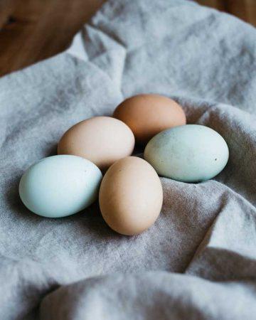 Jak gotować jajka, aby nie pękały podczas gotowania?