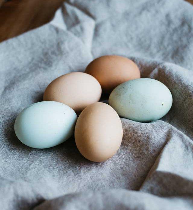 Co zrobić, aby jajka nie pękły podczas gotowania?